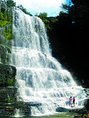 Burgess Falls, with 200 acres, is in Putnam and White counties.