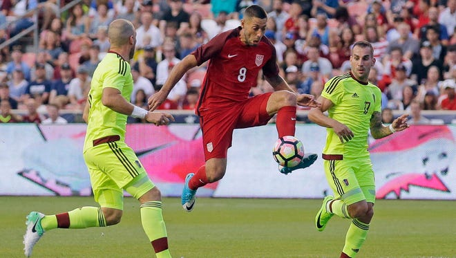 Clint Dempsey is one goal from tying Landon Donovan as the USMNT's all-time leading scorer.