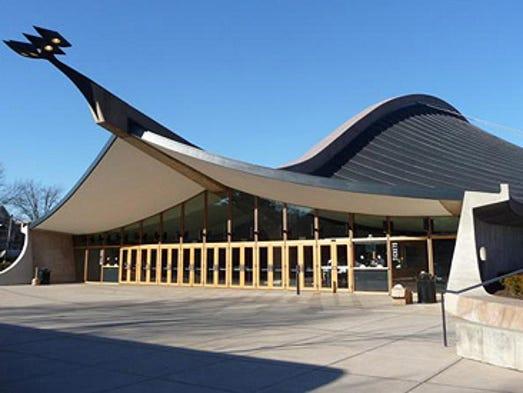 Ingalls Hockey Rink, Yale University (Eero Saarinen,