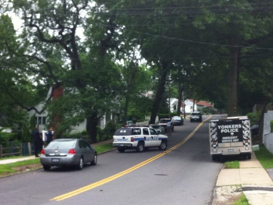Yonkers suspect dies