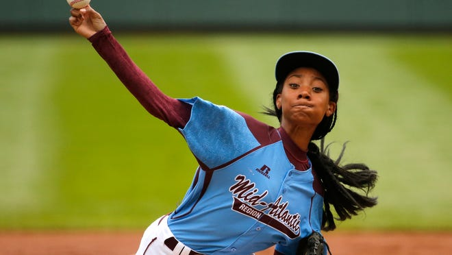 Pennsylvania's Mo'ne Davis became the first girl to throw a shutout in the Little League World Series on Friday.