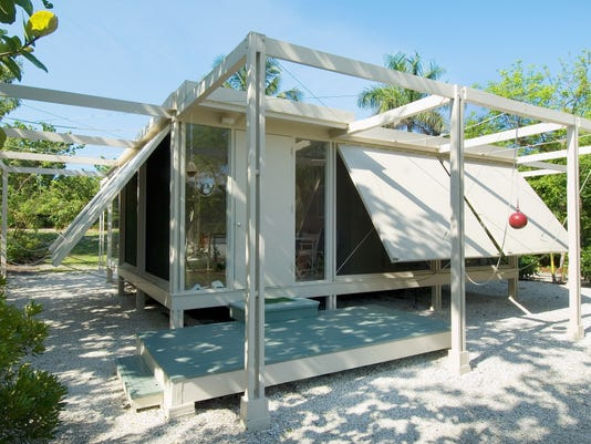 WALKER GUEST HOUSE BY ARCHITECT PAUL RUDOLPH