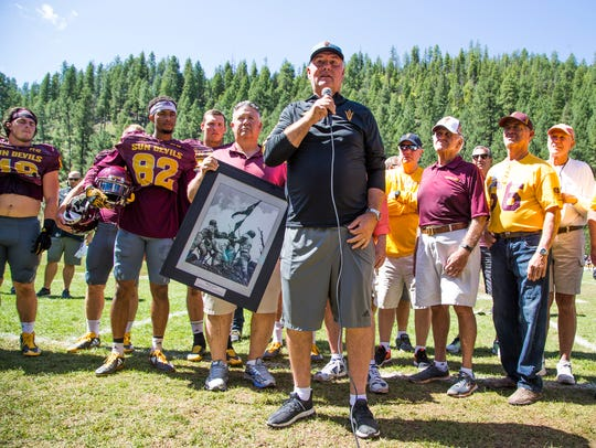 Former ASU quarterback Danny White addresses fans before