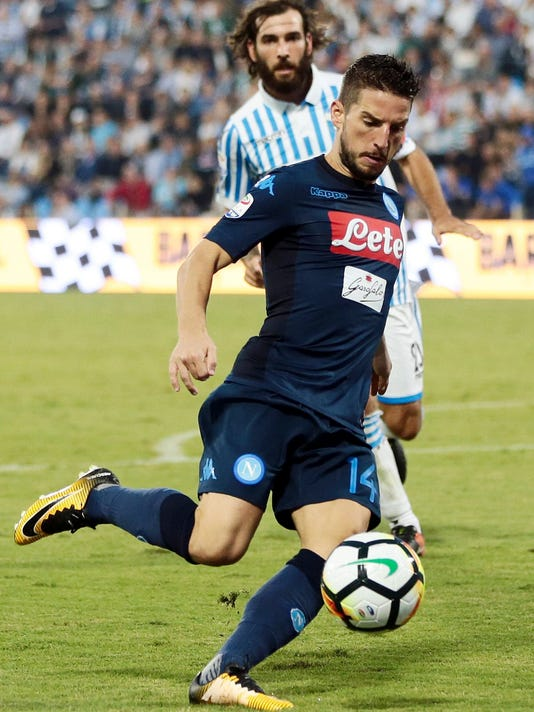 Napoli's Dries Mertens controls the ball during an Italian Serie A soccer match between Spal and Napoli at the Paolo Mazza stadium in Ferrara, northern Italy, Saturday, Sept. 23, 2017. (Elisabetta Baracchi/ANSA via AP)