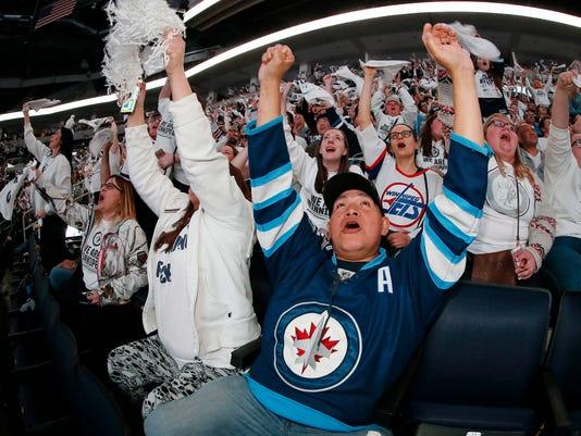 Jets_Predators_Winnipeg_Reax_Hockey_56927.jpg