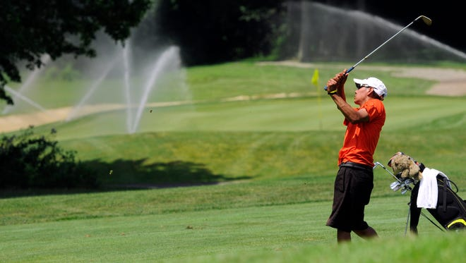 Brad Warren attempts to qualify for the 2013 Dutchess County Amateur.