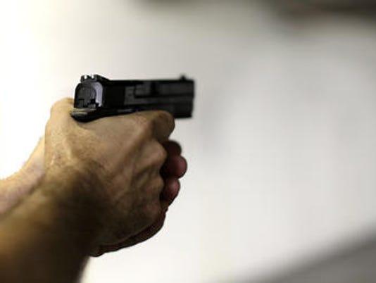 635519906048599384-gun