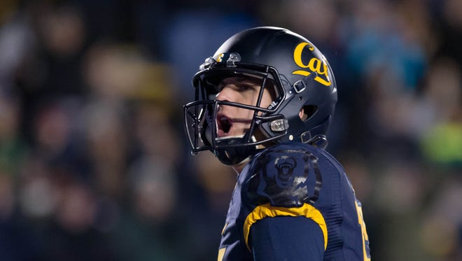 Nov 28, 2015: California Golden Bears quarterback Jared Goff (16) celebrates after a two point conversion against the Arizona State Sun Devils during the fourth quarter at Memorial Stadium. The California Golden Bears defeated the Arizona State Sun Devils 48-46.