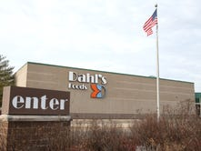Former Dahl's execs face new suit seeking money for retirees