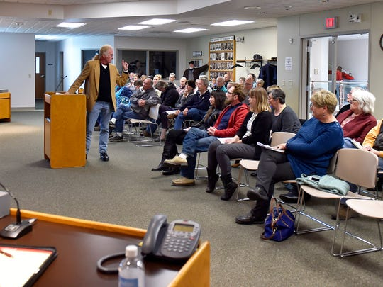 In the minority, John Yount speaks in favor of proposals 9, 10 and 11 before the Sturgeon Bay City Council.