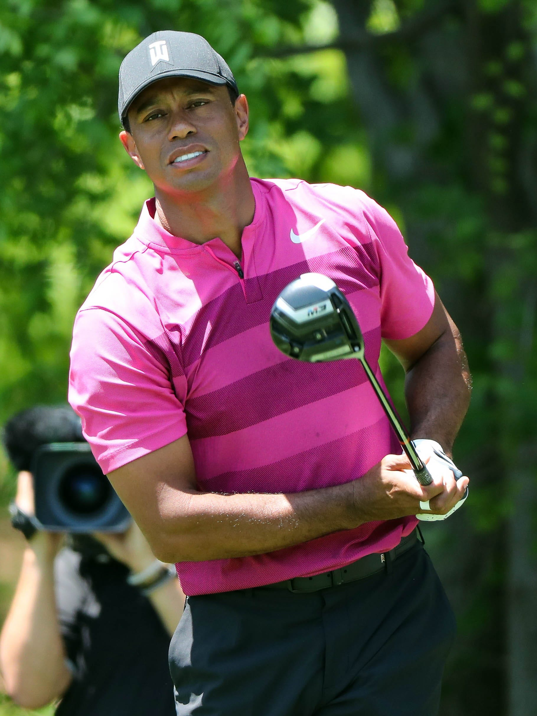 tiger woods  follow his wells fargo championship round