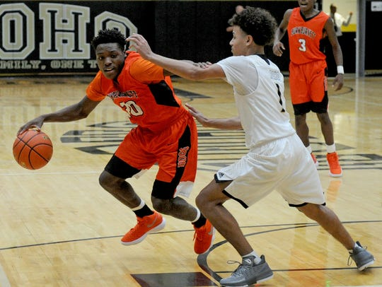 Burkburnett's KenDarious Horton is part of a talented returning backcourt for the Bulldogs.