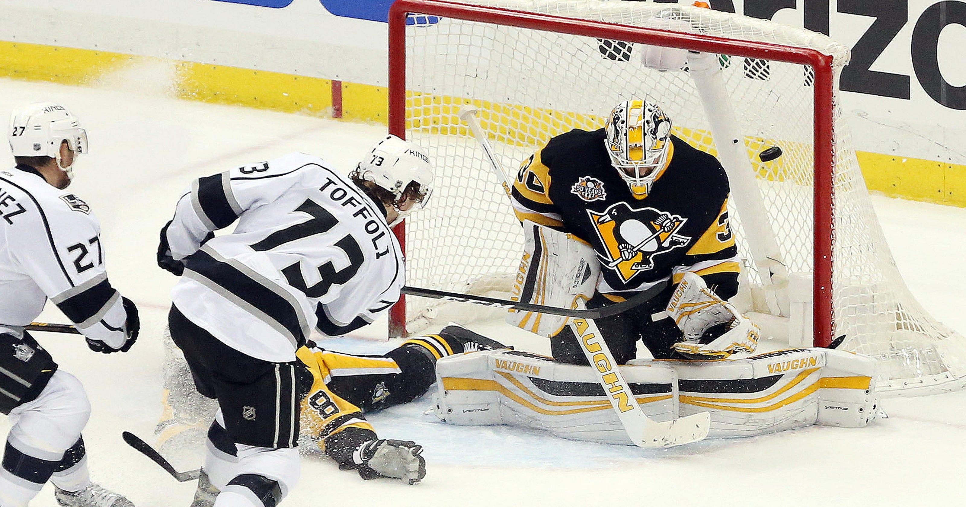 ba1603806 Kings end Penguins  7-game winning streak in overtime