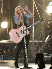 """Miranda Lambert performs """"Bathroom Sink"""" at the 49th"""
