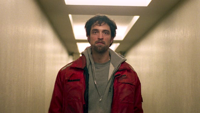 """Robert Pattinson plays a man caught in the middle in """"Good Time."""""""