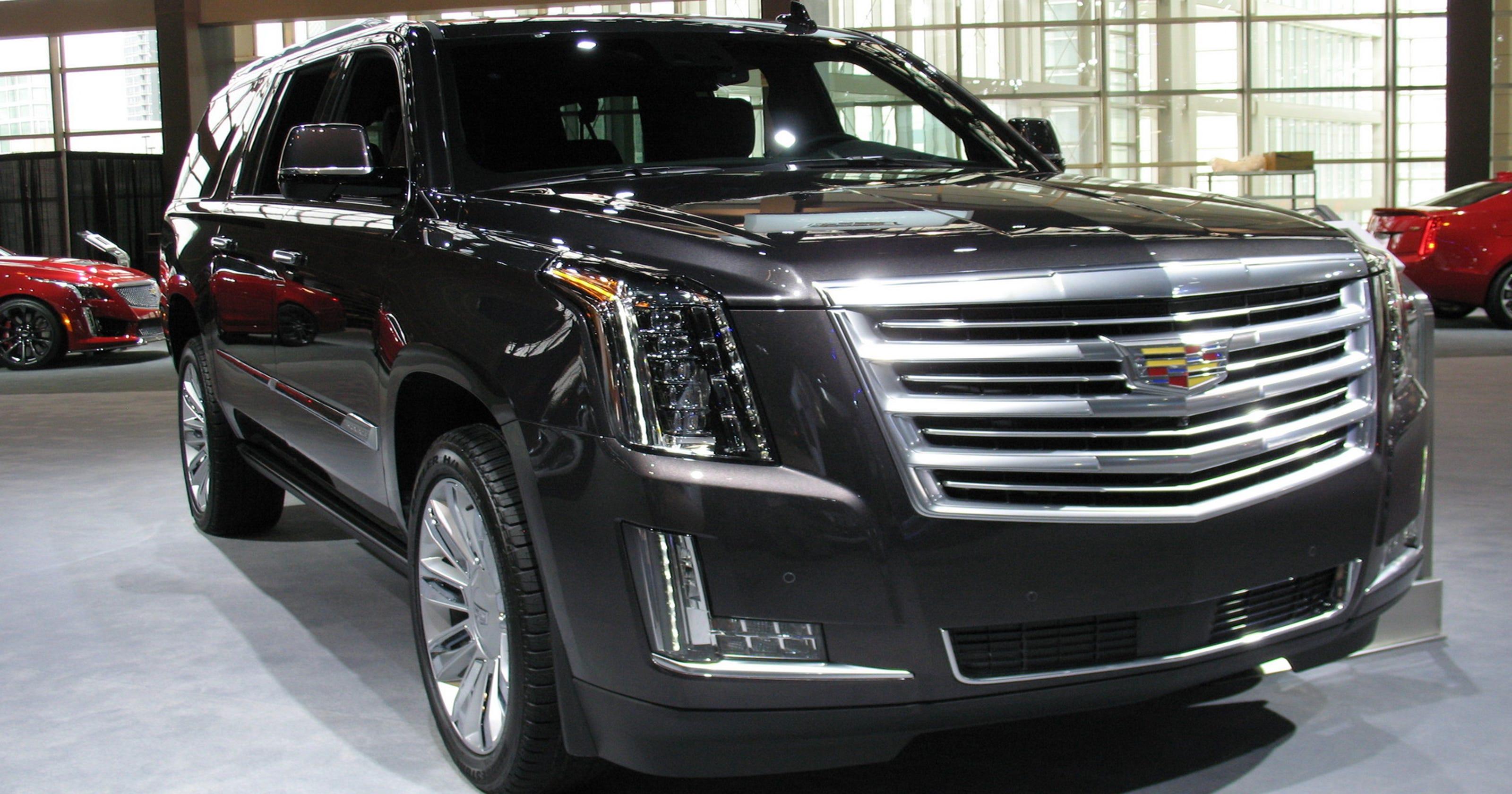 2017 Cadillac Escalade Esv Suv Shows Precise Craftsmanship 200