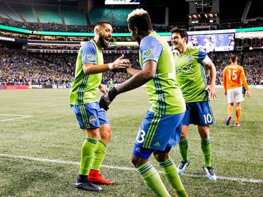 b00a147f263 2017  Clint Dempsey celebrates scoring a goal against