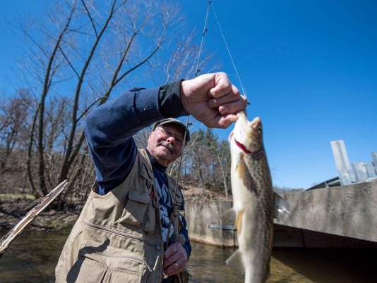 1-1HES-TL-033118-TroutFishing