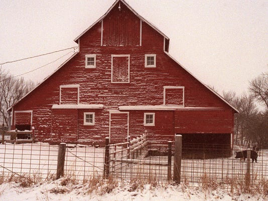 FRESH SNOW DECORATES BARN NEAR GRISWOLD