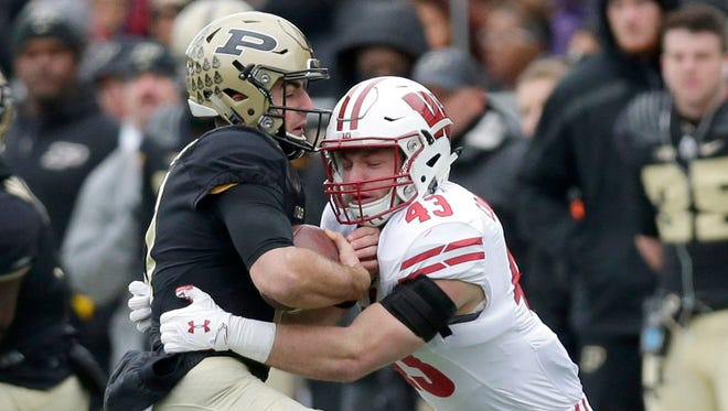 Linebacker Ryan Connelly will help anchor the UW defense this season.