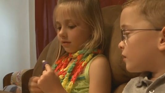 6-year-old makes scarves to support friend