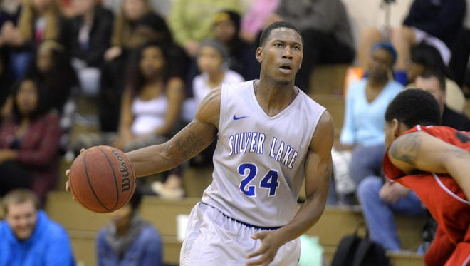 Former Silver Lake College standout Denzel Smith will play professional basketball in Brazil.