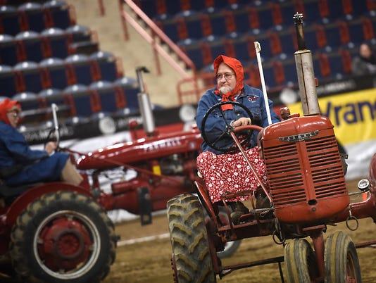 1-LDN-MKD-011516-tractor-Farm-show