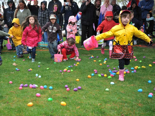 Kids race for eggs during the 2011 Easter Egg Dash