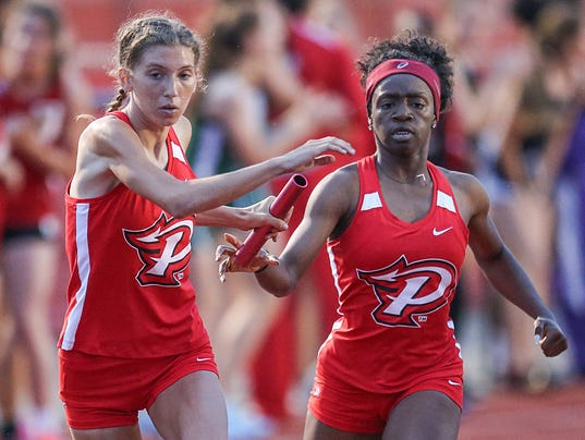 Elizabeth Stanhope running 800 meter and 4x400 relay at Pike High School