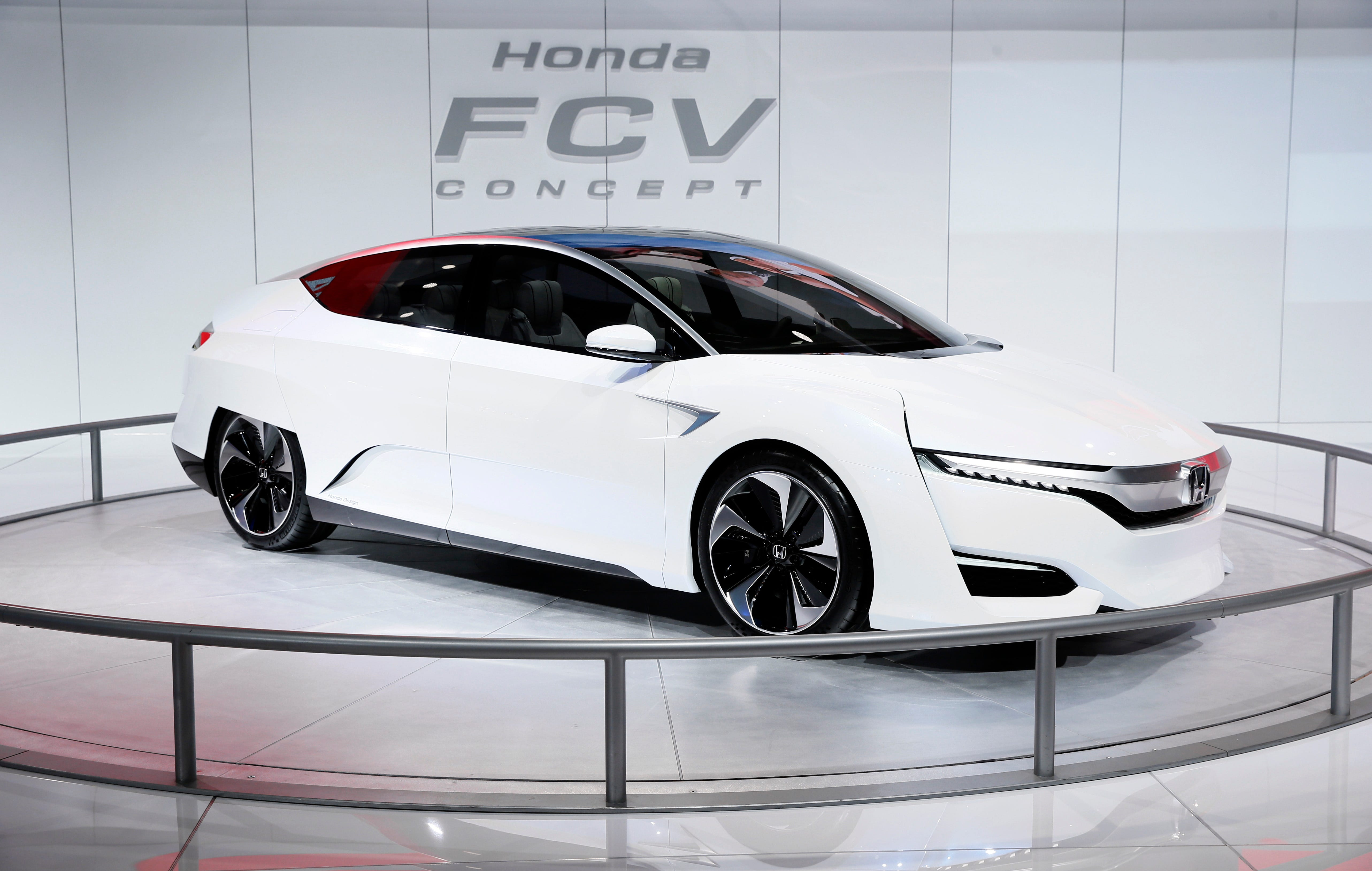 Honda Of Des Moines U003eu003e Honda To Introduce New Hydrogen Fuel Cell Vehicle In  2016