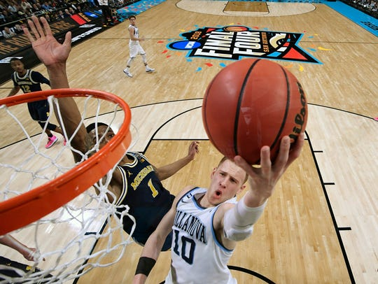 Villanova's Donte DiVincenzo scored 31 points in the
