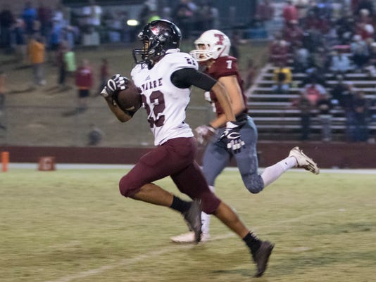Navarre vs Tate football