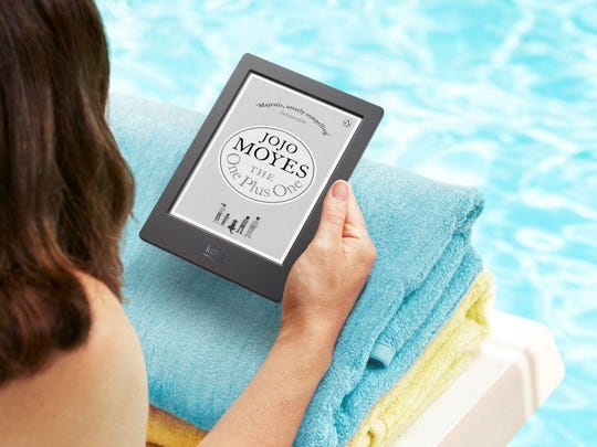 The Kobo Aura H20 is IP67-certified, so you can read while lounging around or floating in a pool, at the beach, or slipping into a bubble bath at home.
