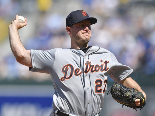 Detroit Tigers pitcher Jordan Zimmermann throws in