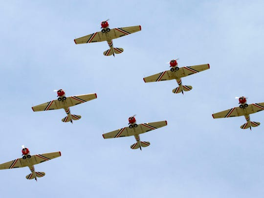 Geico skytypers in wedge formation.