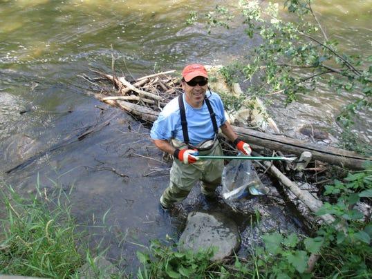 636446175686757819-Clinton-River-cleanup-TN.JPG