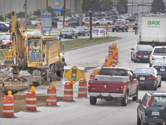 635915815180713414-road-construction.jpg