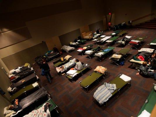-FTC0915-gg flood evac center DLM 01B.JPG_20130914.jpg