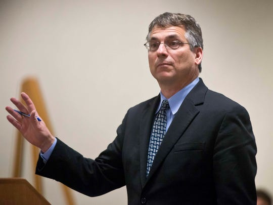 Defense attorney Bob Katims makes his closing argument in Vermont Superior Court in Burlington on Oct. 21 during Allen Prue's murder trial in the 2012 slaying of Melissa Jenkins.