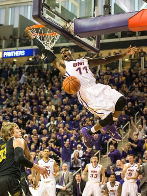 Northern Iowa Panthers guard Wes Washpun slams in an easy two.