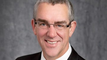 Bob Mundt leaves Fox Cities Chamber to return to Sioux Falls