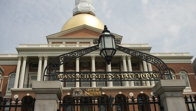 The Massachusetts Old State House in Boston was the setting for a life-saving connection in 1972, later written about on Craigslist.