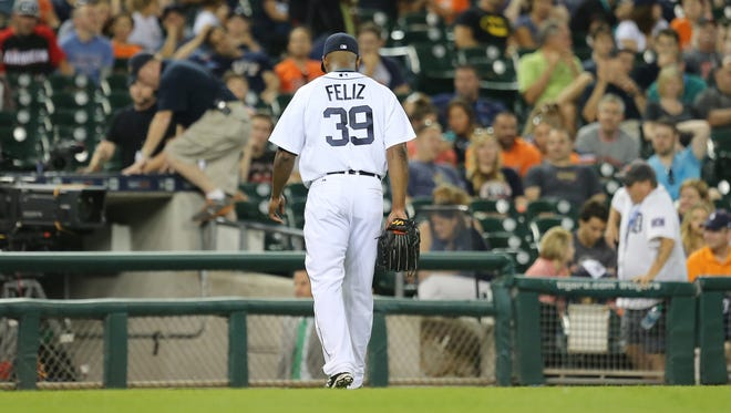 The Detroit Tigers' Neftali Felz walks off the field after giving up a grand slam to the Seattle Mariners Franklin Gutierrez during eighth inning action on Tuesday, July 21, 2015 at Comerica Park in Detroit.