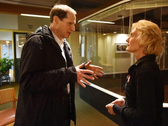 """U.S. Sen. Ron Wyden speaks with the star of """"Blonde"""