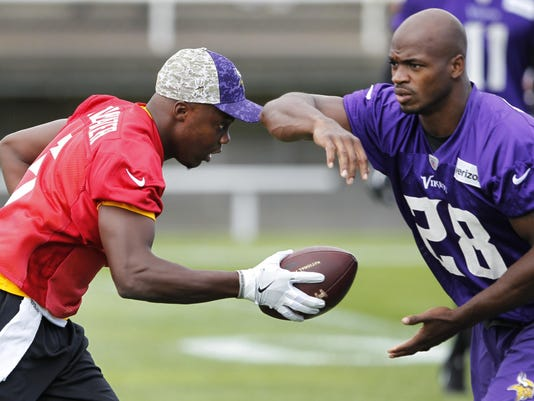 Vikings Camp Football (5)