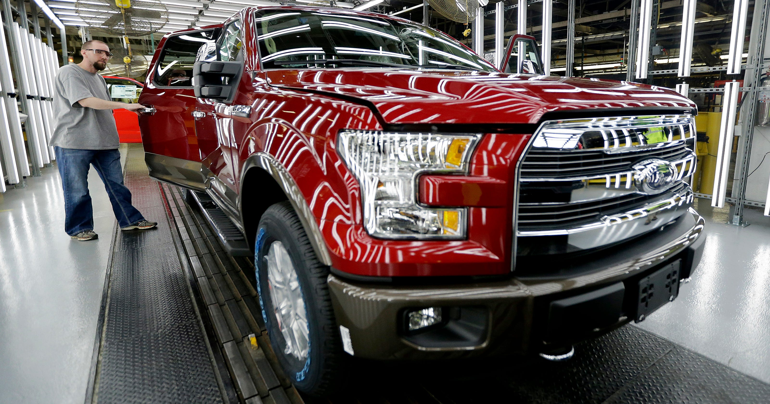 Ford confirms it will stop all f 150 production after supplier fire