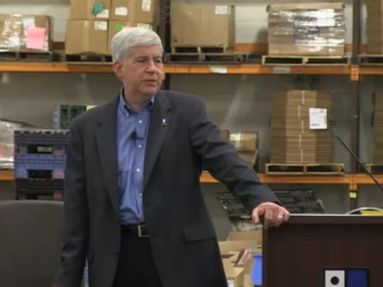 """Snyder urged the adoption of """"presumptive parole"""" of prisoners who have served their minimum sentences and have a high probability of not committing new crimes"""
