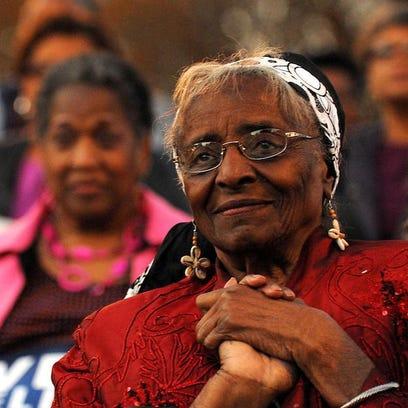 Marjorie Wilson Chambers listens to Hattiesburg Mayor