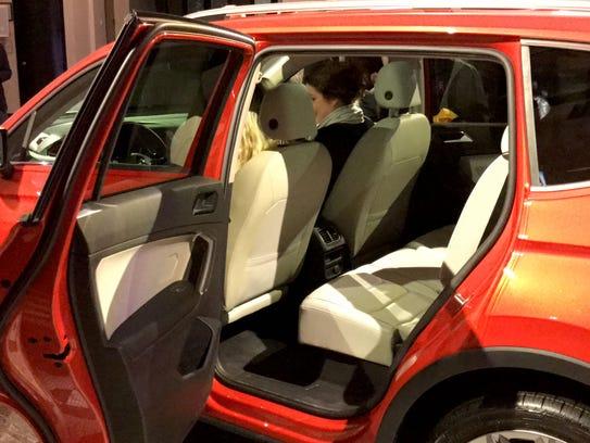 2018 volkswagen tiguan interior.  tiguan volkswagen showcased the interior and exterior design to 2018 volkswagen tiguan