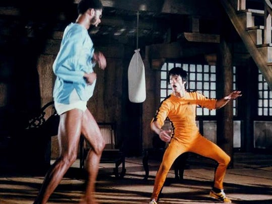 Fight scene between Bruce Lee and Kareem Abdul-Jabbar in Game of Death